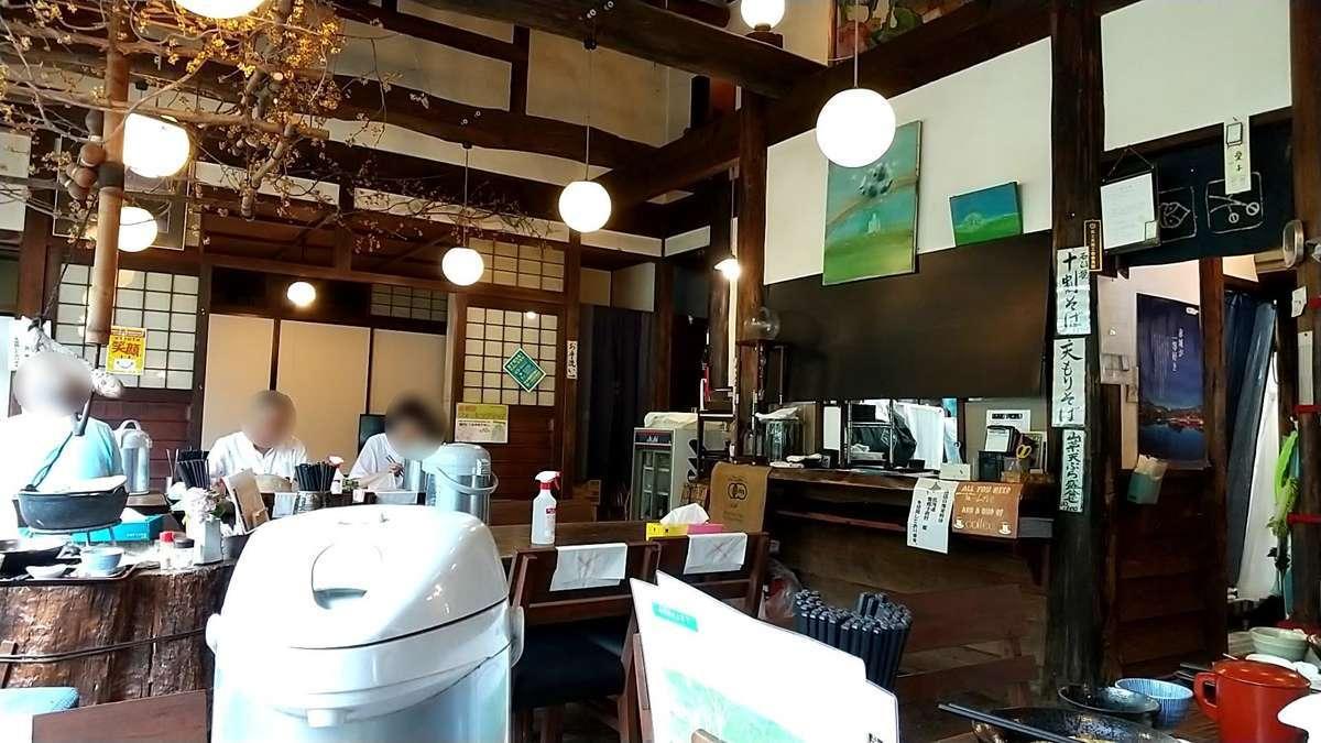 「風の庵」店内はなかなか良い雰囲気