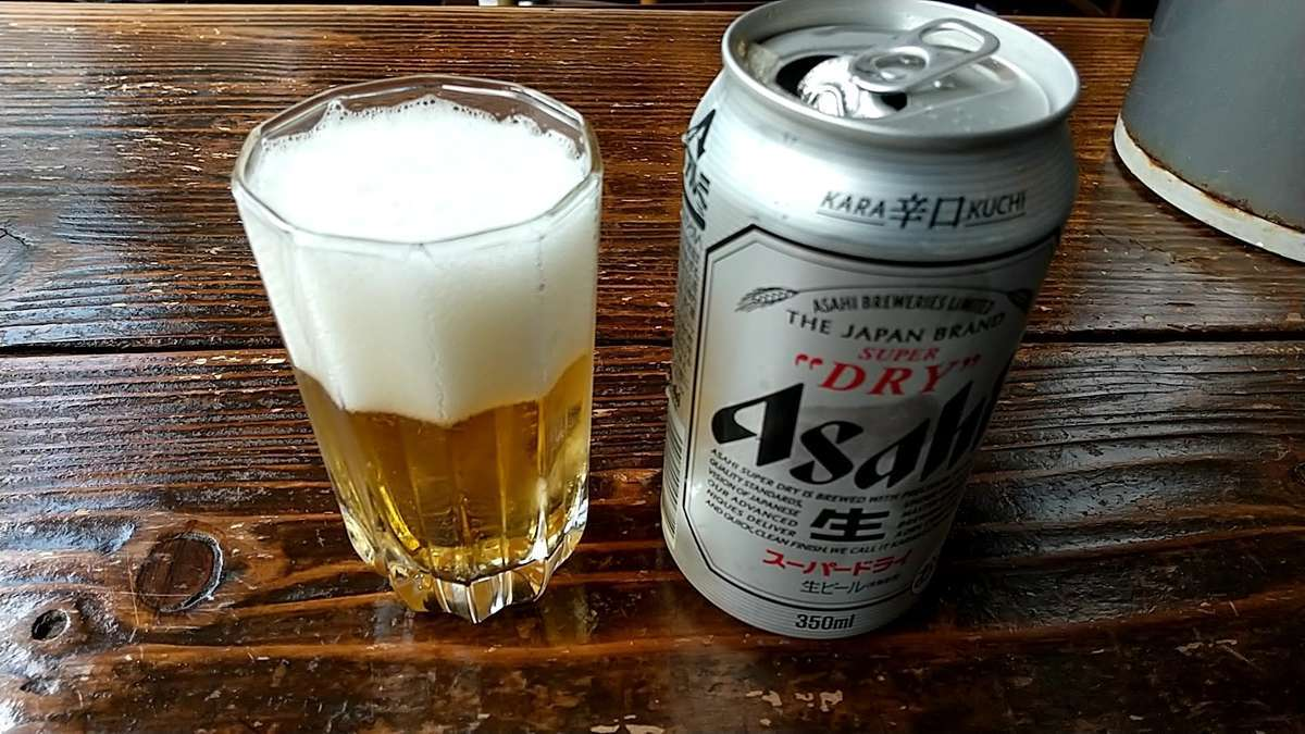 生ビールは置いてなさそうなので缶のスーパードライで乾杯