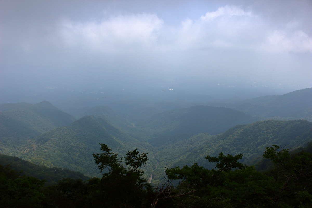 駒ヶ岳山頂から西側はガスが多く眺望が効きませんでした