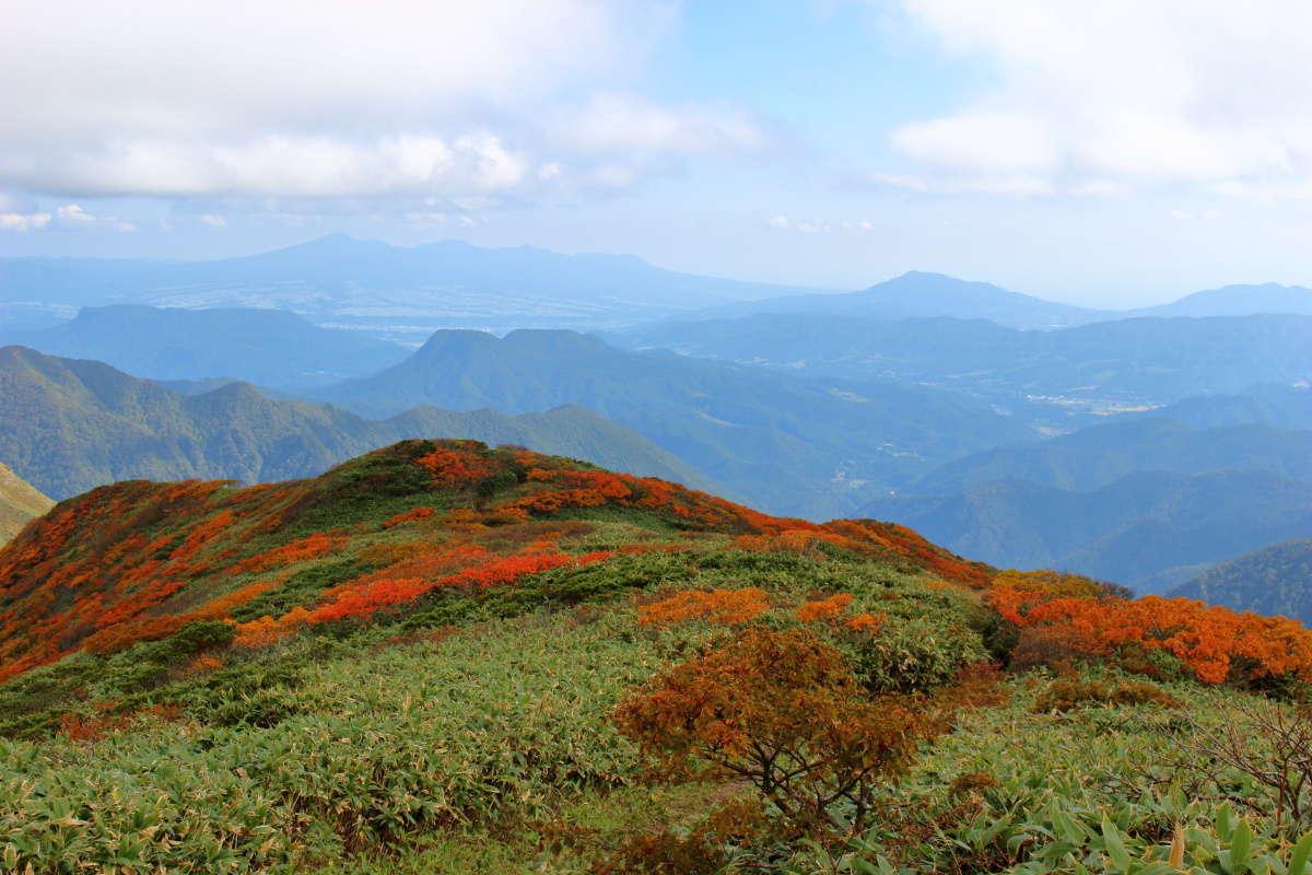 仙ノ倉山山頂から南東方向には群馬の名山を一望!