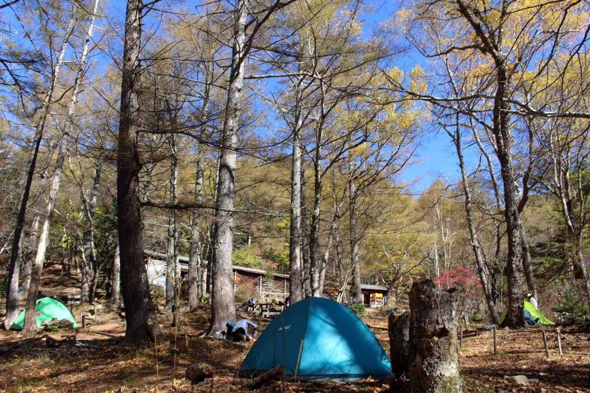 無事にテント設営完了、まだ多くのテントが残っていました