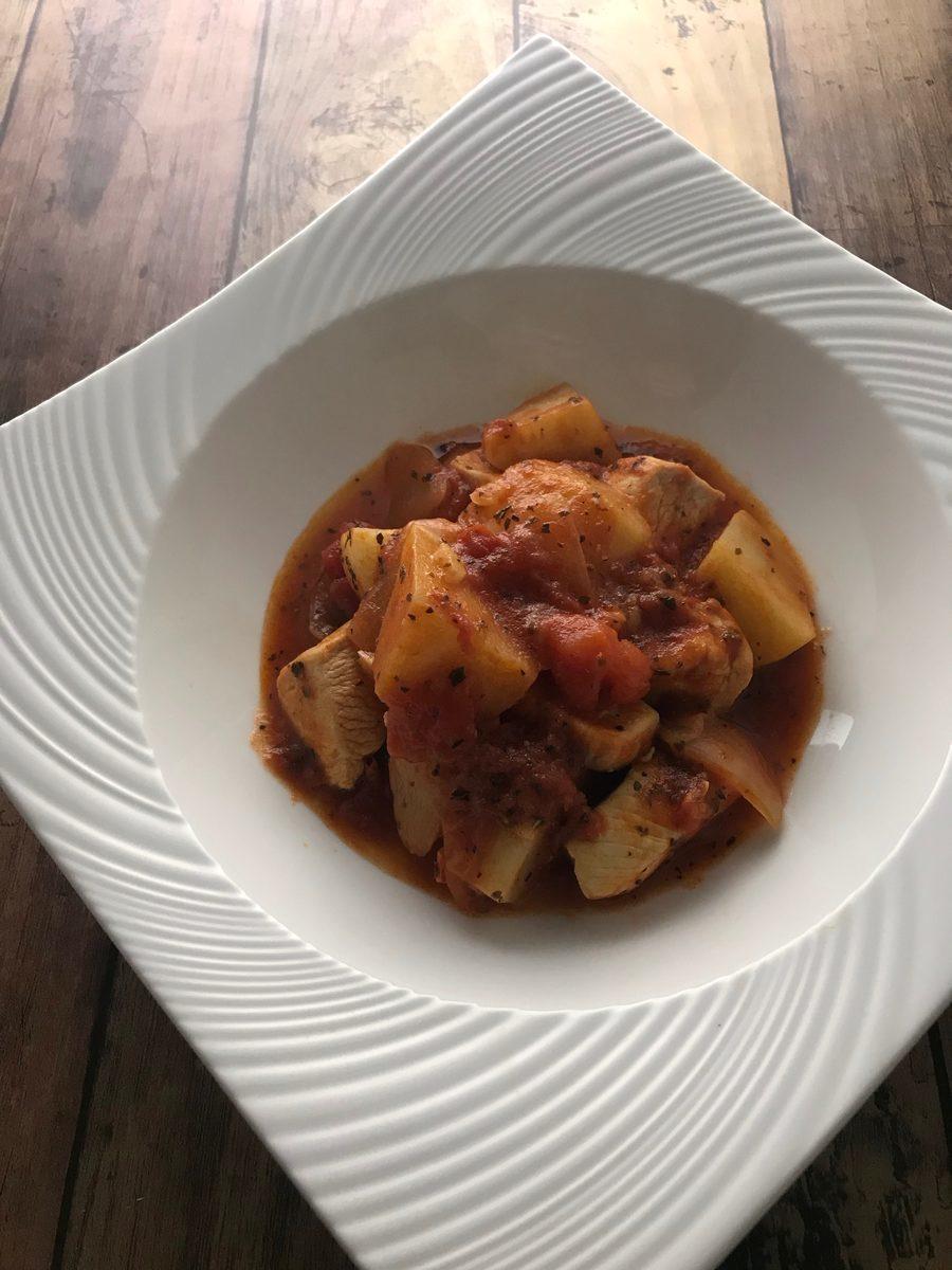 鶏むね肉と三方原馬鈴薯のトマト煮