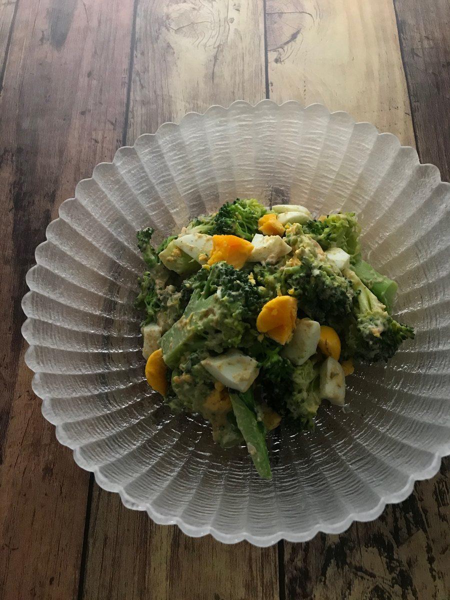 ブロッコリーと卵の胡麻味噌マヨサラダ