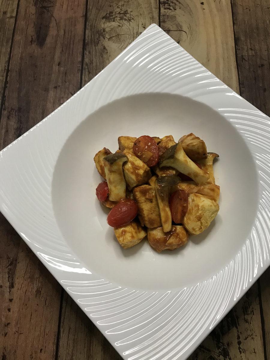 鶏むね肉とエリンギのカレー炒め