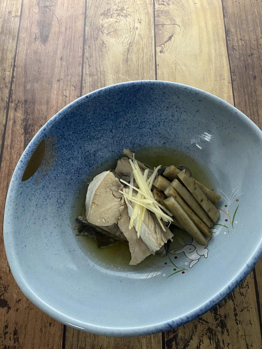 ぶりあらとごぼうの煮物