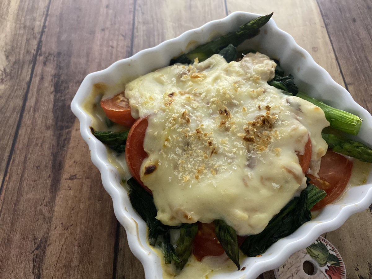 彩り野菜のツナソースグラタン