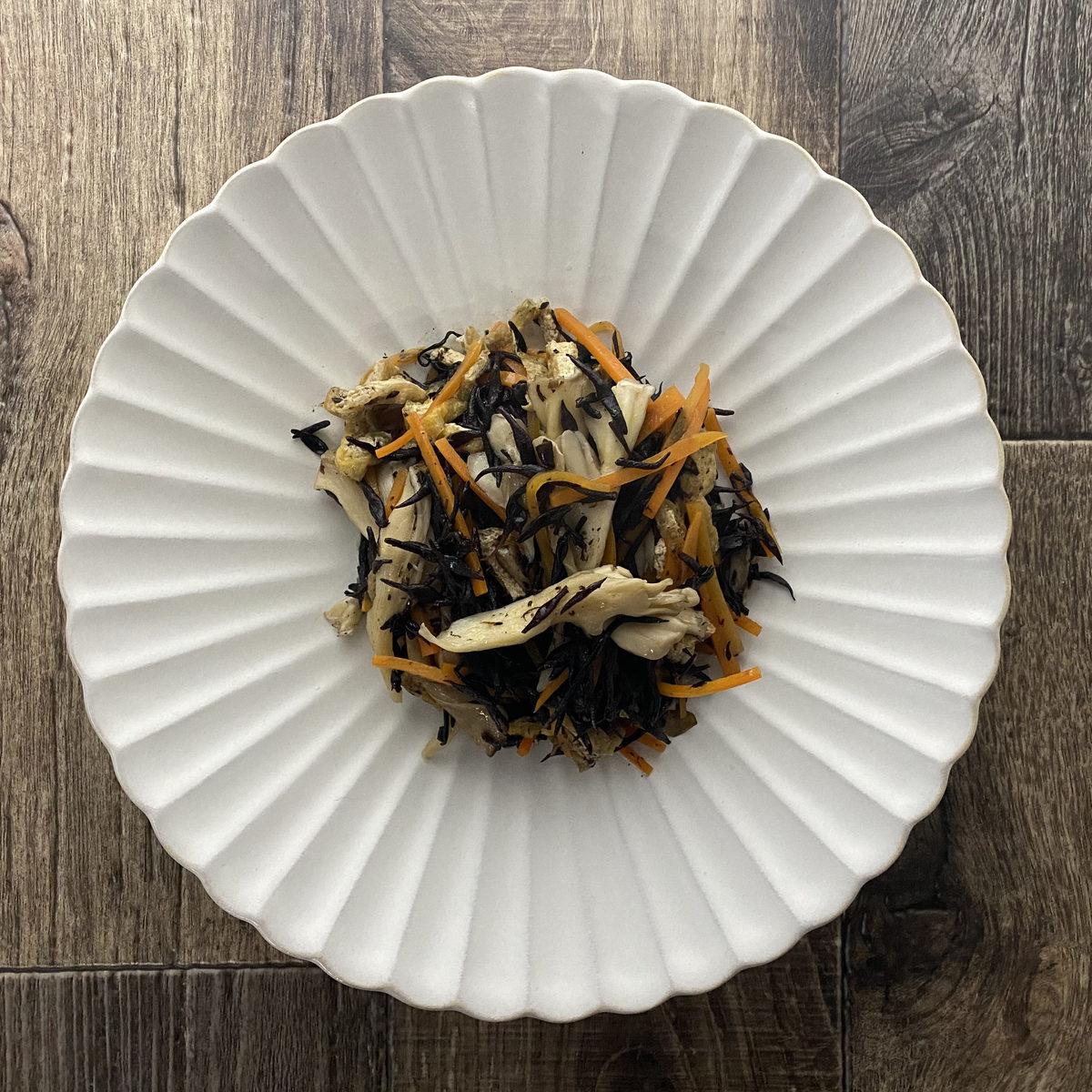 ひじきと舞茸の煮物