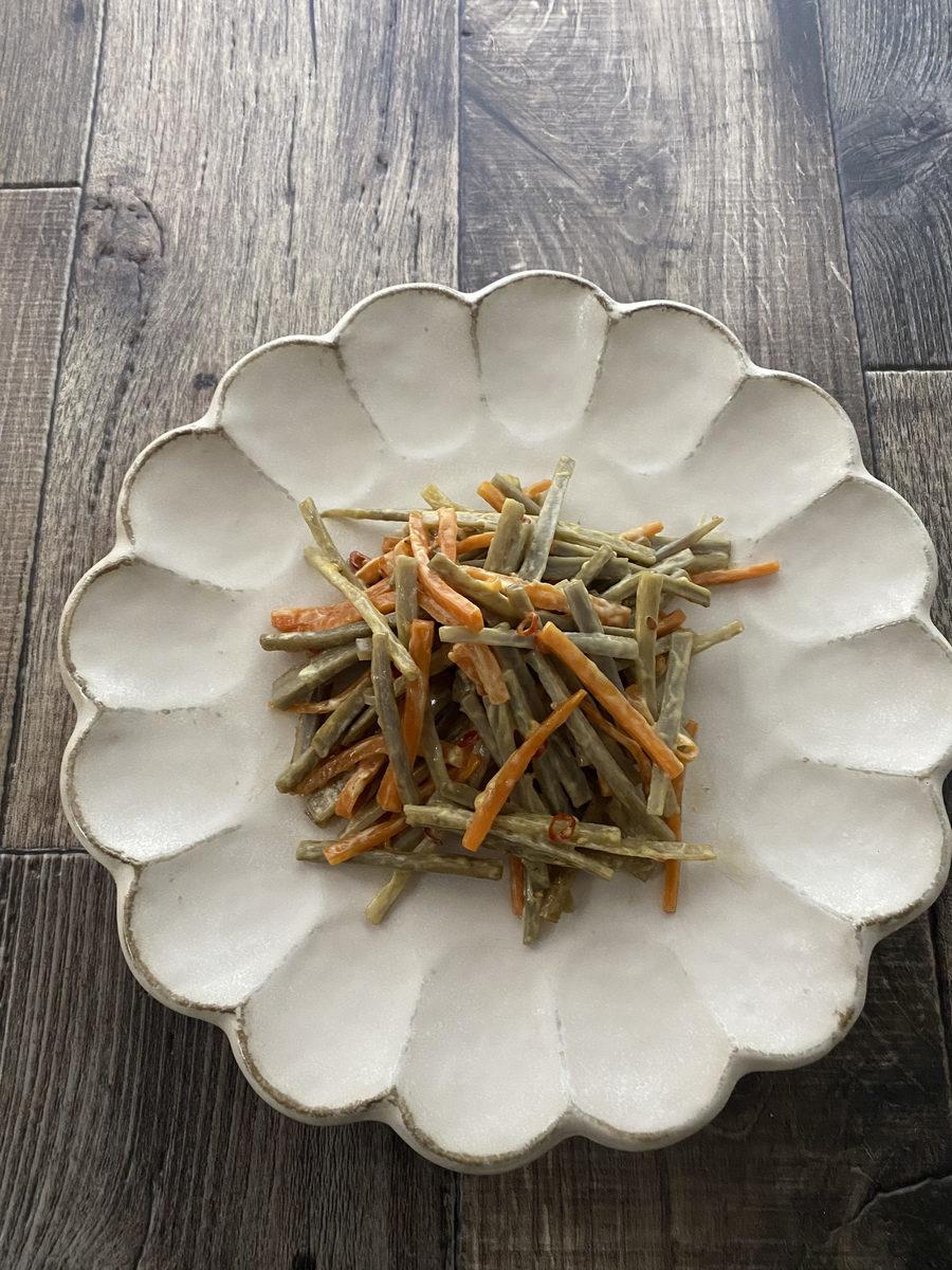 きんぴらごぼうのサラダ