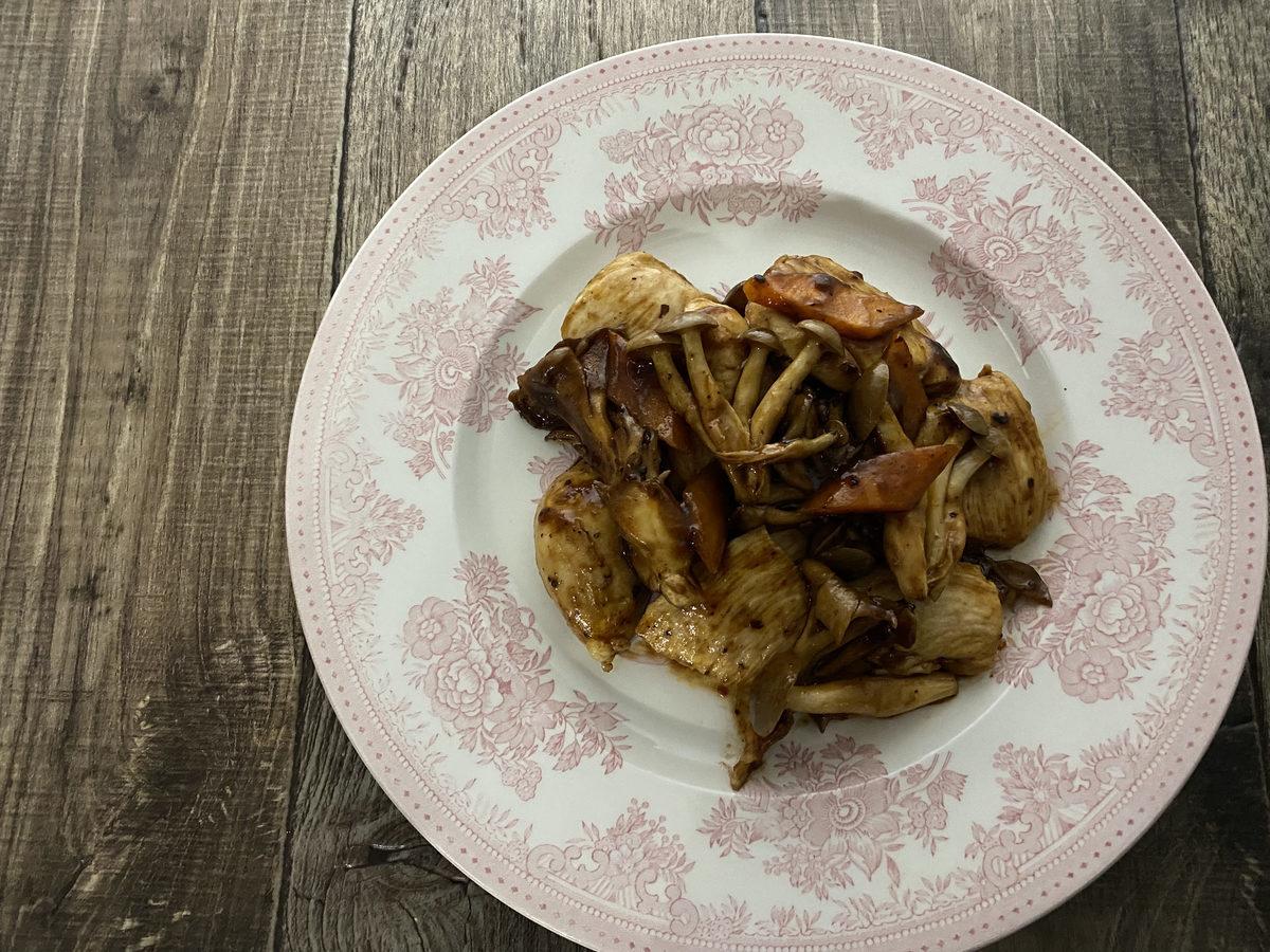鶏むね肉ときのこの中華炒め