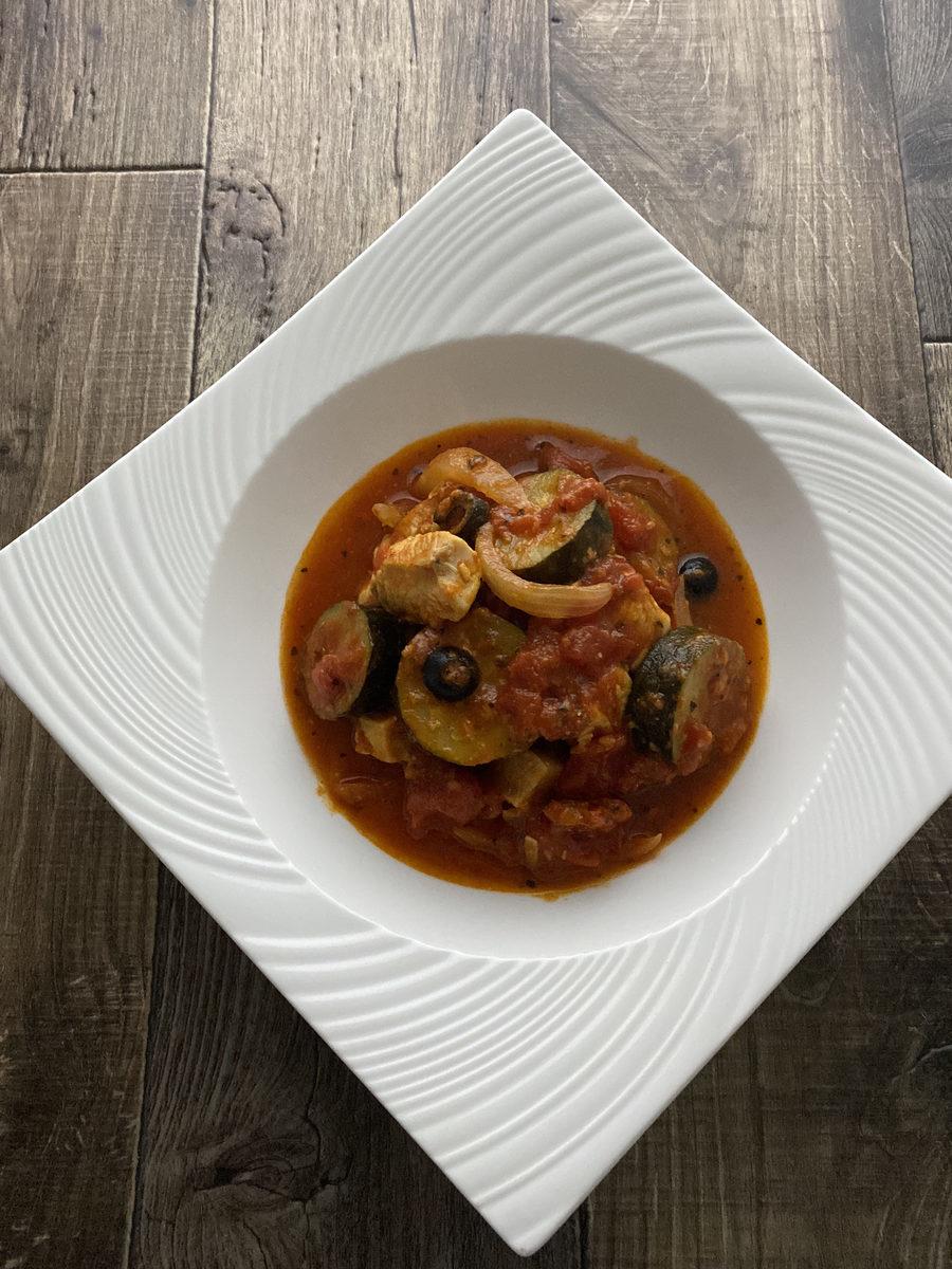 鶏むね肉とズッキーニのトマト煮