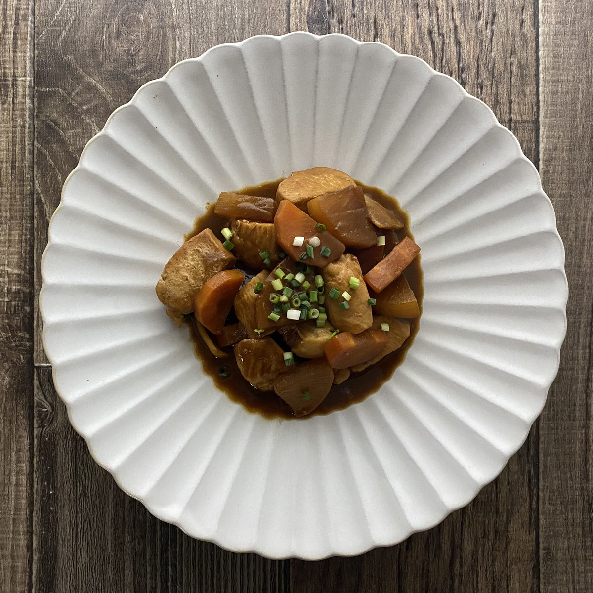 鶏むね肉と大根の赤味噌煮