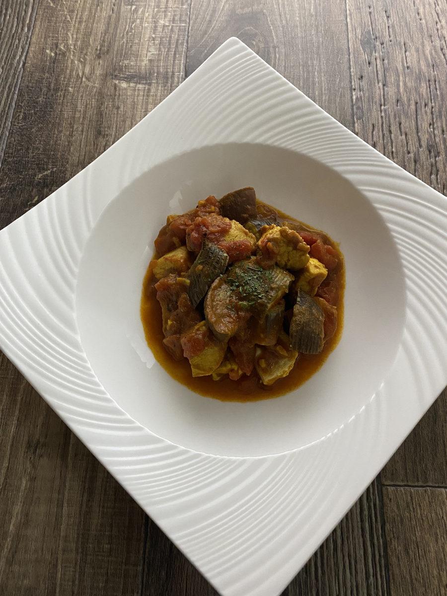 鶏むね肉とナスのトマトカレー炒め