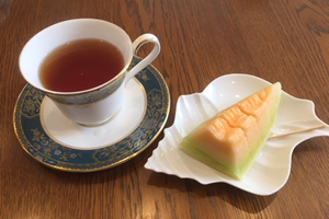 国産紅茶とフルーツ