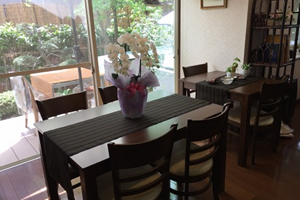 4people_table_and_terrace