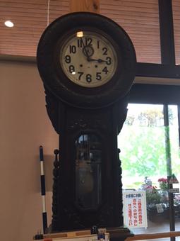 年季の入った柱時計