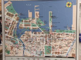 歩道橋下 横浜港マップ