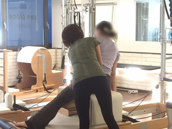 身体のどの部分を使うか、正しい姿勢などのチェックとサポート