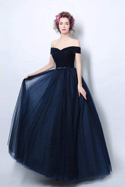 robe de soirée bleu longue en tule épaule dénudée