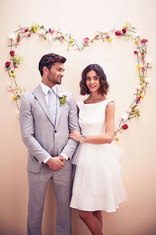 robe de fiançailles blanche courte simple