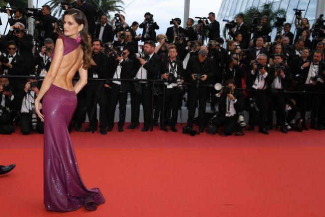 robe de soirée violette sirène dos nu Izabel Goulart Cannes 2019