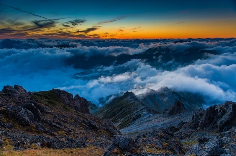 背景ー夕暮れと雲海ー