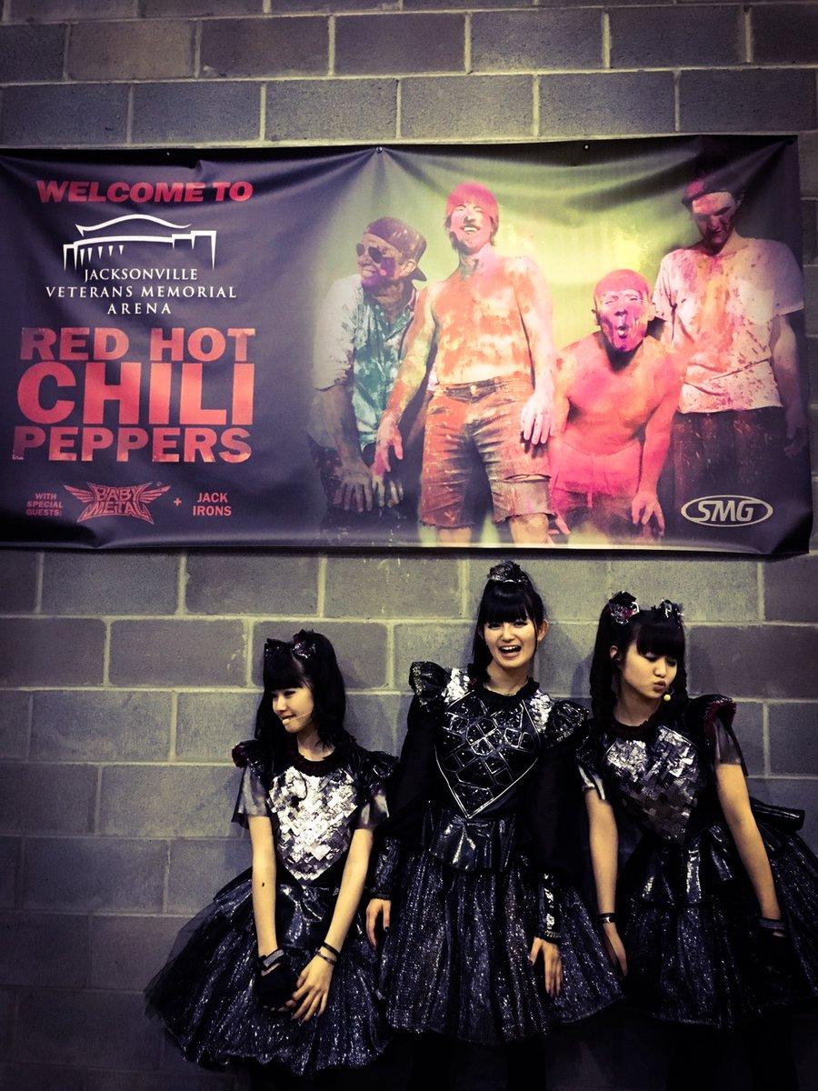 【エンタメ画像】BABYMETAL「RED HOT CHILI PEPPERS US TOUR 2017」フロリータダ・ジャクソンビル・アリーナの様子