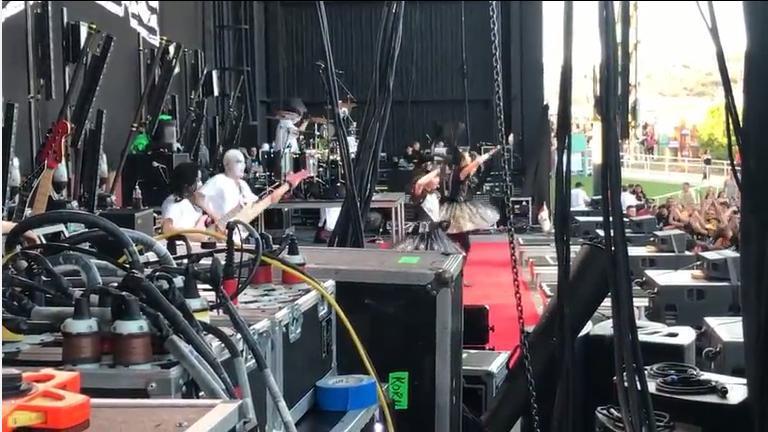 「summer of serenity tour 2017」の動画   Korn, Stonesour, BabyMetal, and Yelawolf