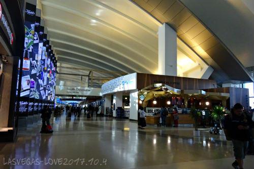 トムブラッドレー国際ターミナル内