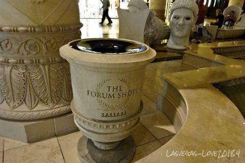 古代ローマ風のゴミ箱