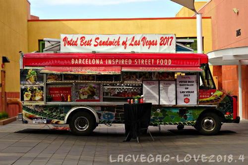 Barcelona inspired street food フードトラック