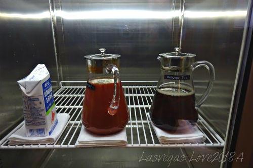 牛乳 トマトジュース ウーロン茶