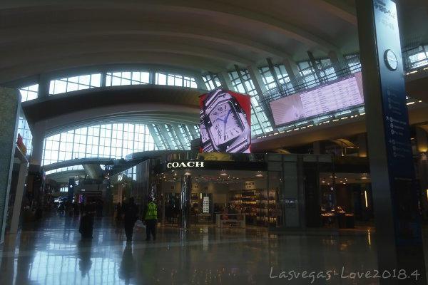 Los Angeles International Airport トム・ブラッドレー国際線ターミナル(TBIT)