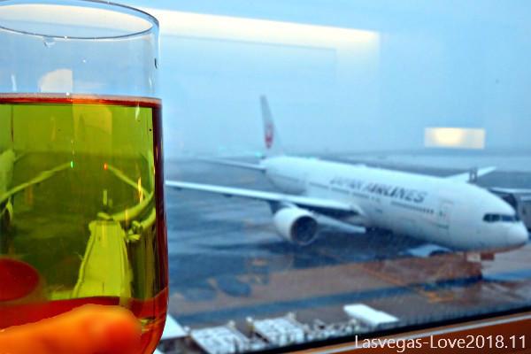 JAL サクララウンジ 乾杯