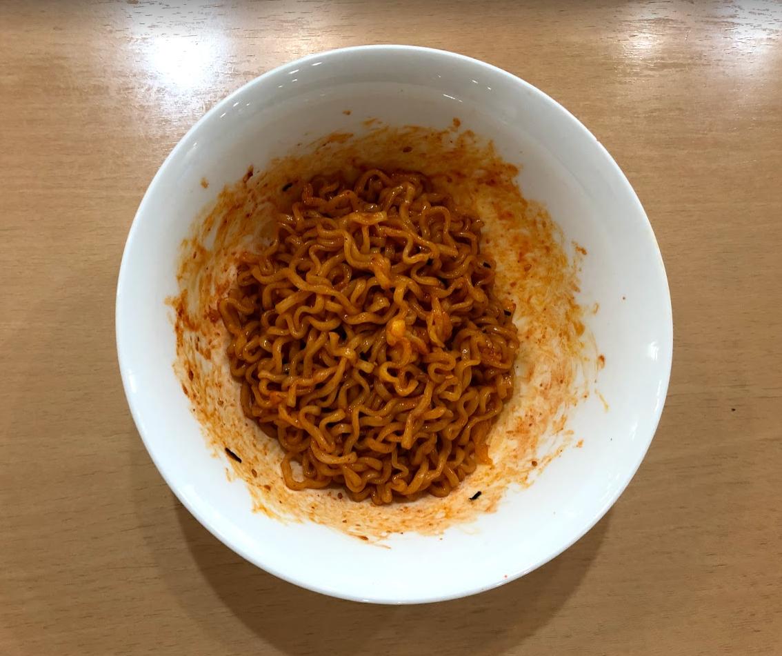 プルダックポックンミョン とろけるチーズ アレンジ