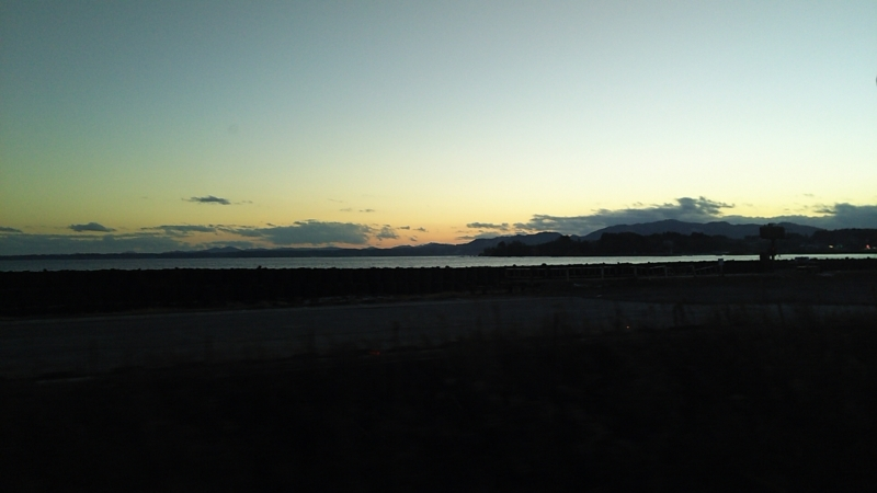 夕方の気仙沼線BRTの車窓