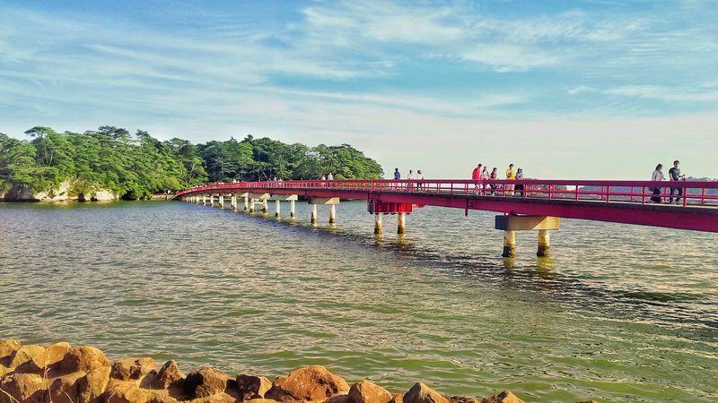 海岸から見た福浦橋