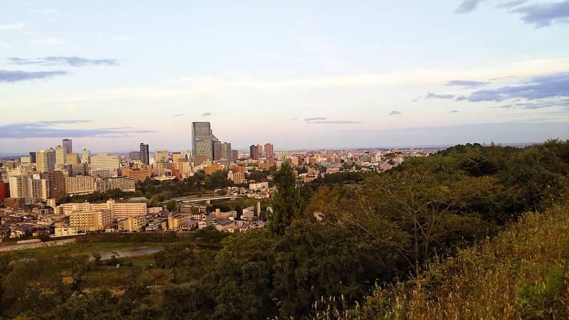 仙台城跡から仙台市内を一望