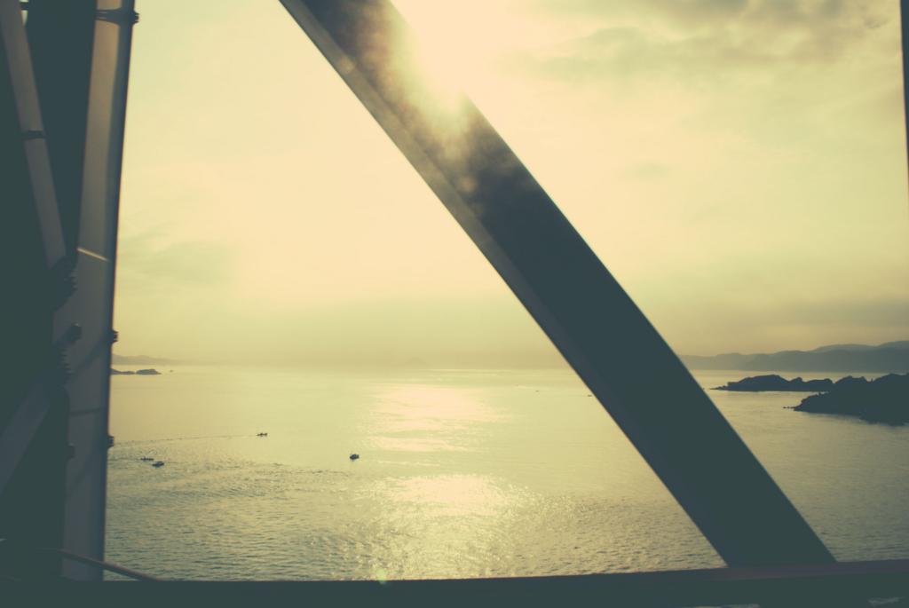 瀬戸大橋を渡るサンライズ瀬戸