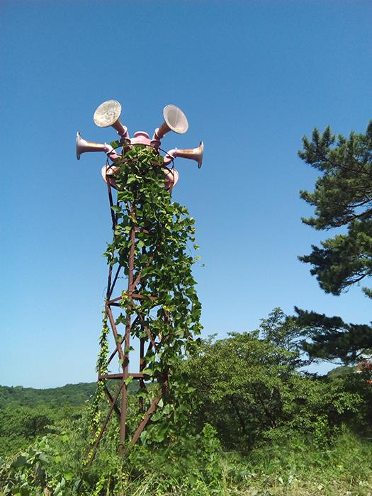古びた鉄塔
