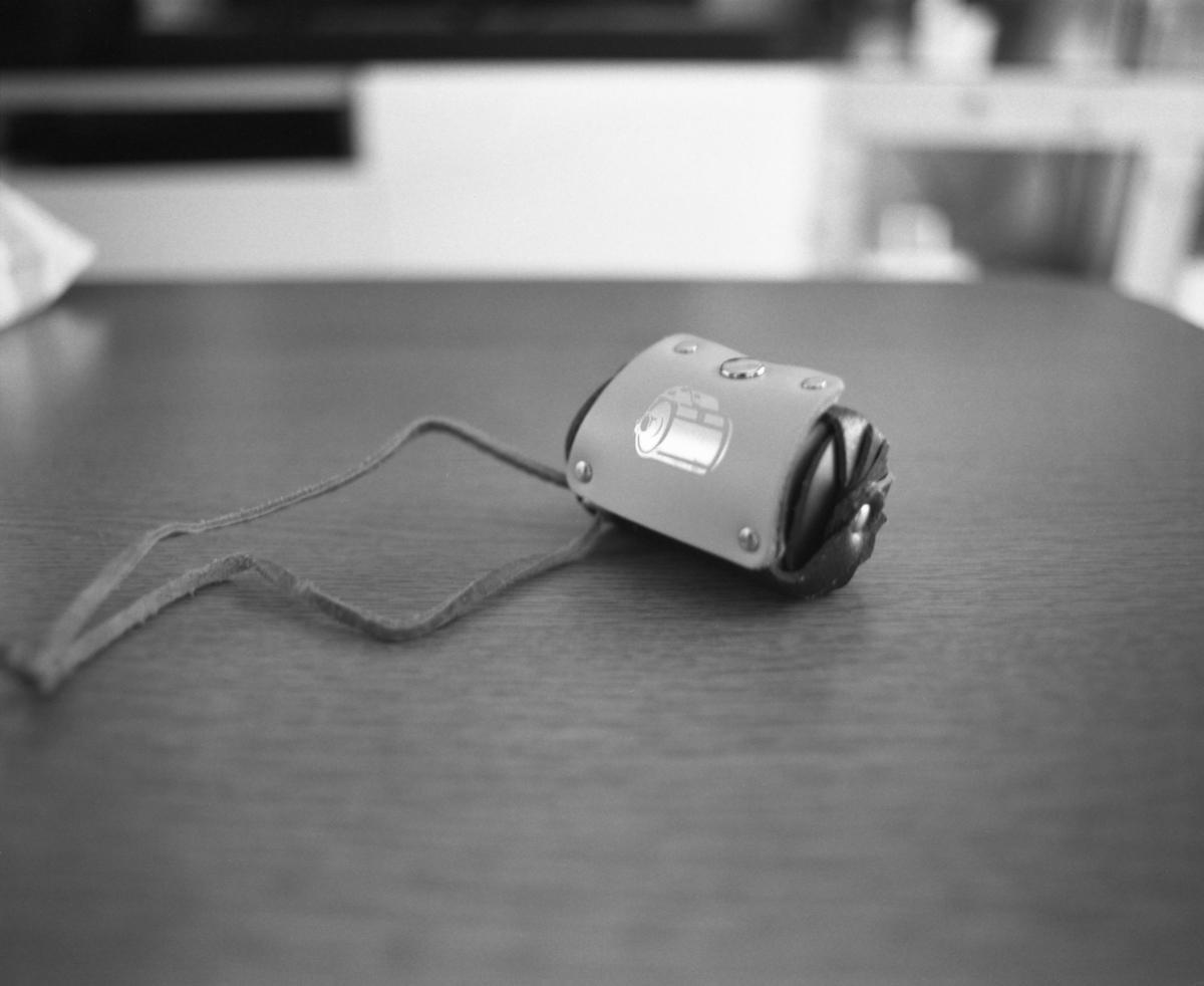 革の35mmフィルムケース