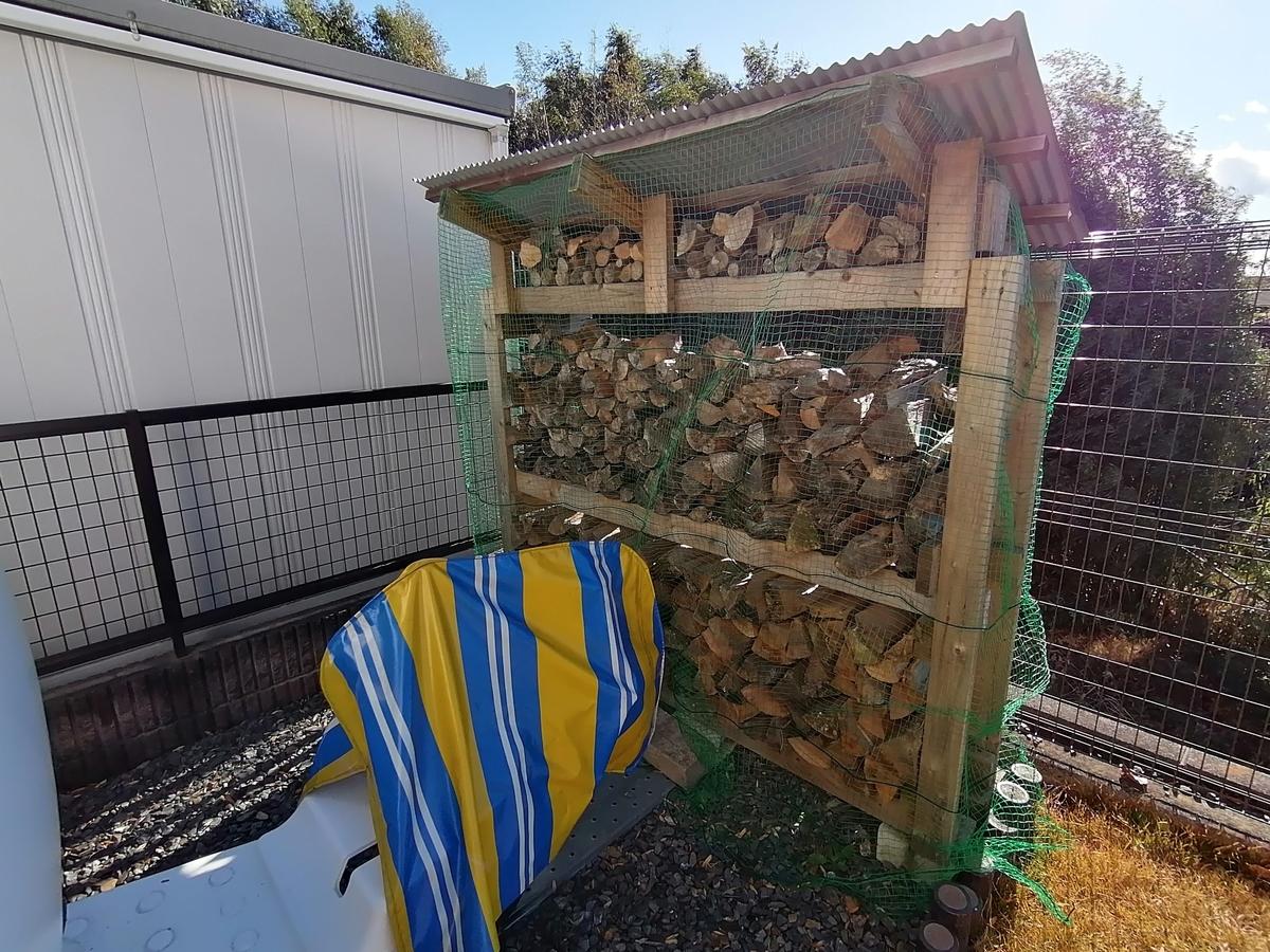 薪棚 DIY ネットを被せる