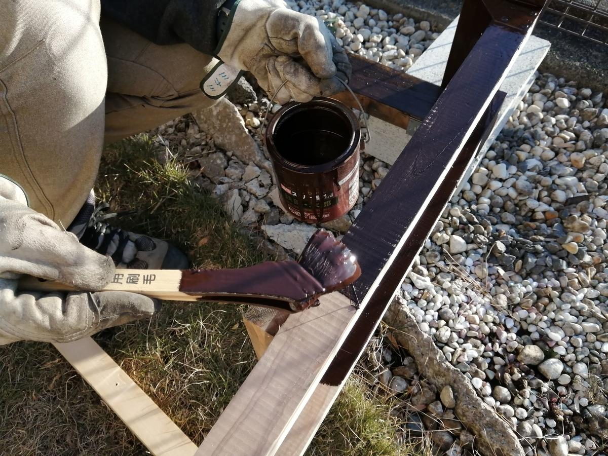 薪棚 DIY 色塗り ペンキ