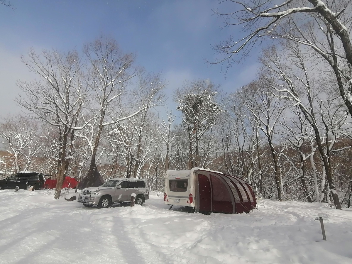 エンゼルフォレスト那須白河 キャンピングトレーラー 雪中キャンプ キャンピングカーサイト