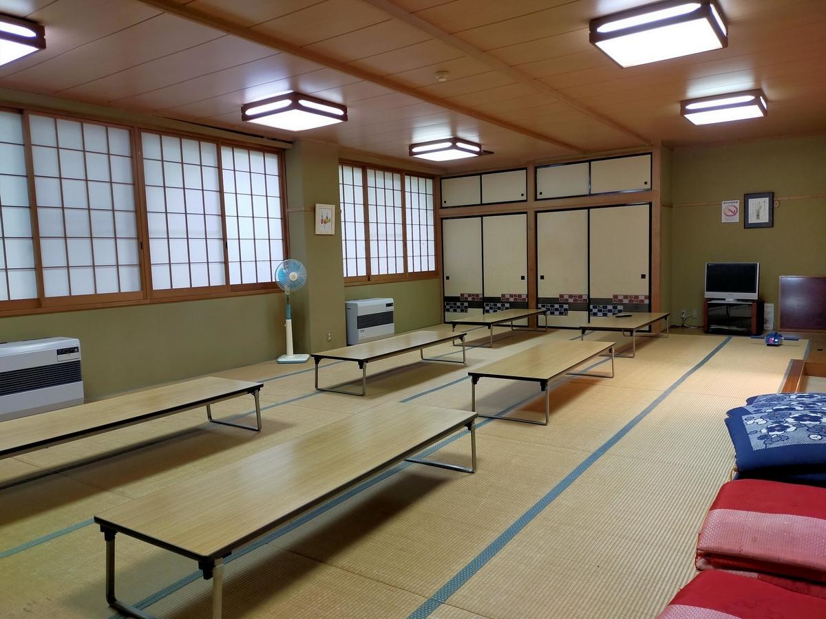 RVパーク RVパーク応徳温泉道の駅六合 道の駅六合 休憩室 キャンピングトレーラー 車中泊