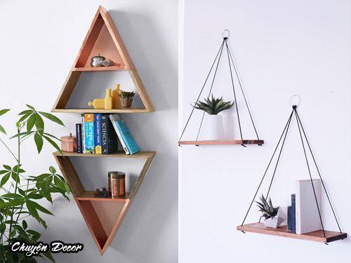 寝室を木製の棚で飾る