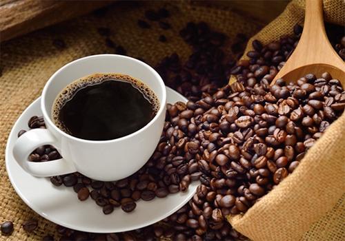 頭痛がある方は、先にコーヒーを止めてみてください。コーヒーが原因かも知れません。