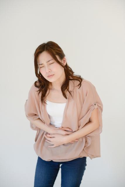生理痛1日目で貧血、激しい腹痛で足が震えた女性