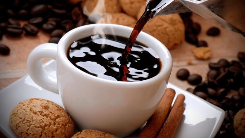 コーヒーは肩こりの原因にもなる!