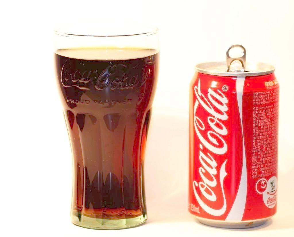 コーラなどの清涼飲料水は、逆流性食道炎を作り出すので要注意!