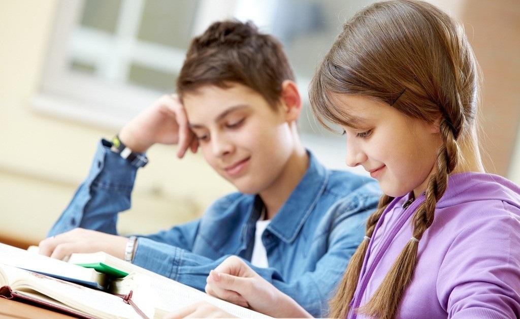 施術が終わるゴロには、急に変わって読書する子供